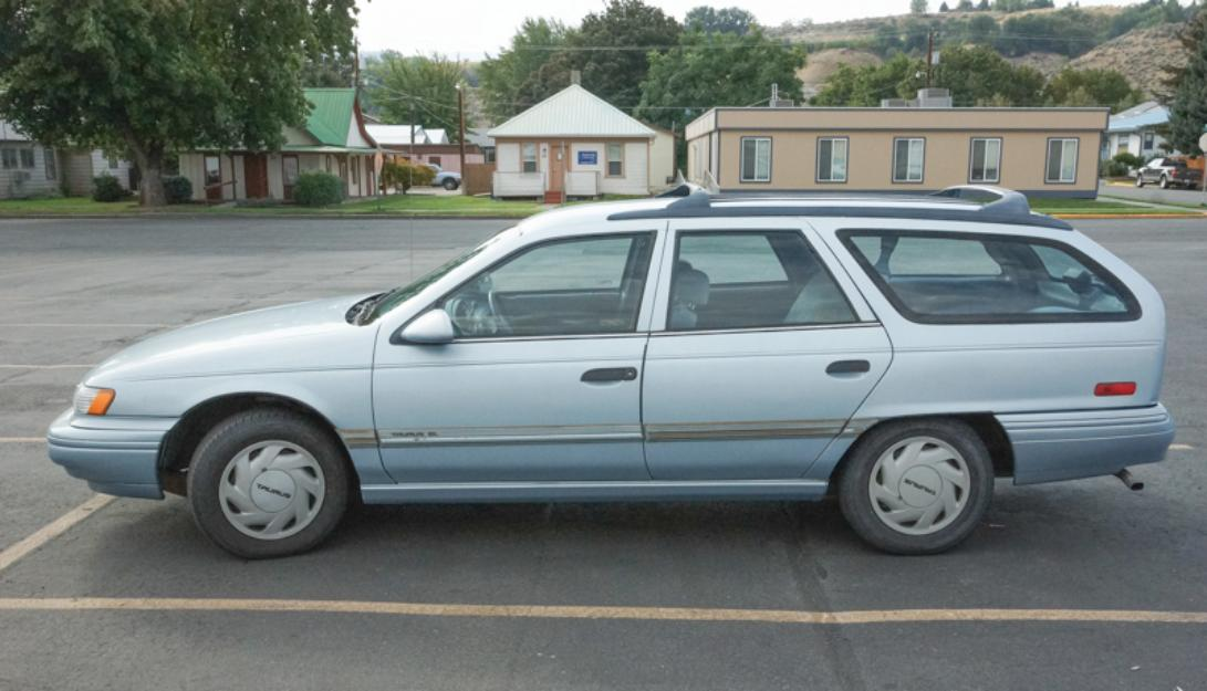 1993 Ford Taurus Station Wagon plus Snow Tires