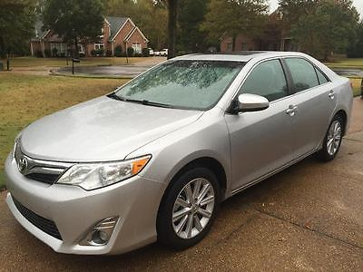 Toyota : Camry XLE Sedan 4-Door Smart Key System, Backup Camera, Sunroof, Leather, Immaculate, Clean Carfax