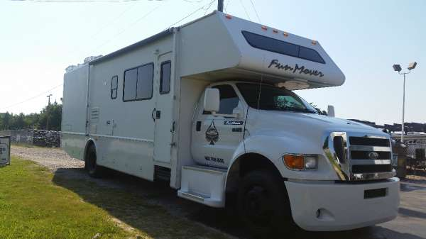 2004 Four Winds F750