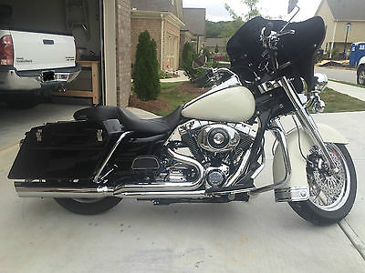 Harley-Davidson : Touring 2004 harley davidson road king police edition with custom parts
