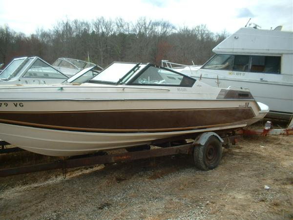 1986  Wellcraft  187 XL Bowrider Mercruiser Cut Hull