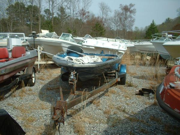 1984  Glasstream  184 Bass Boat Hull