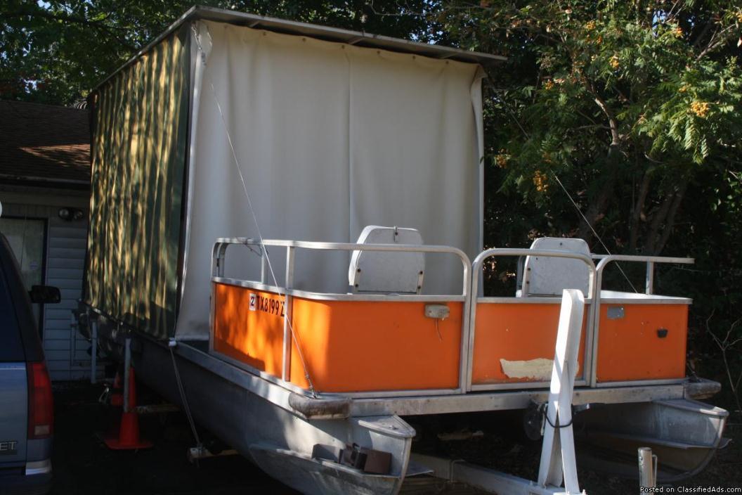25ft pontoon boat