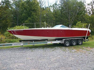 1968 Bertram Barron Offshore Raceboat. Twin Ford 289 Shelby Design Holmann Moody