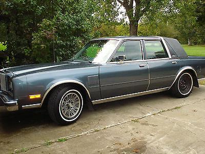 Chrysler : Other luxury Equipment 1985 chrysler 5 th avenue