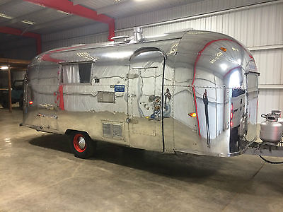 1962 Vintage Airstream Safari 22ft