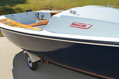 Classic Boston Whaler 17' Sailboat Harpoon 5.2