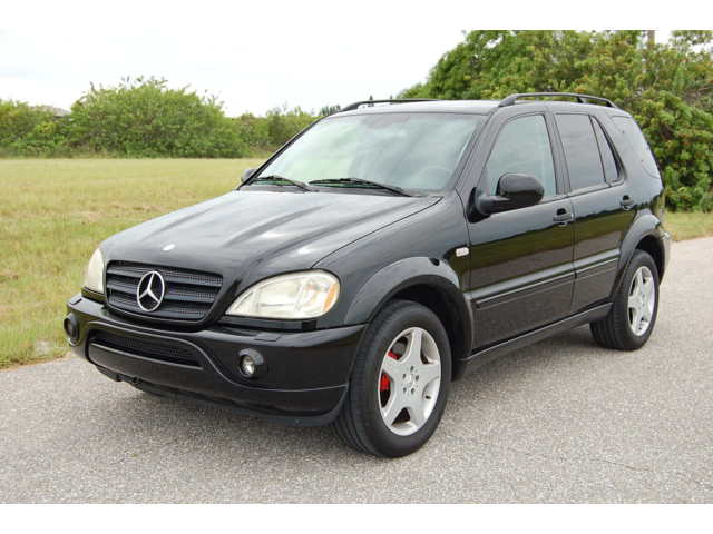 Mercedes-Benz : M-Class 4MATIC AMG 2000 ml 55 amg v 8 automatic leather nav navigation awd 4 x 4
