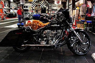 Harley-Davidson : Touring 2011 street glide custom