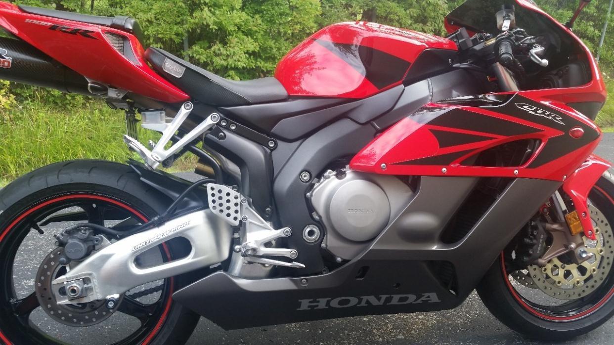 Honda cbr1000rr motorcycles for sale in buffalo new york for Honda dealers wny