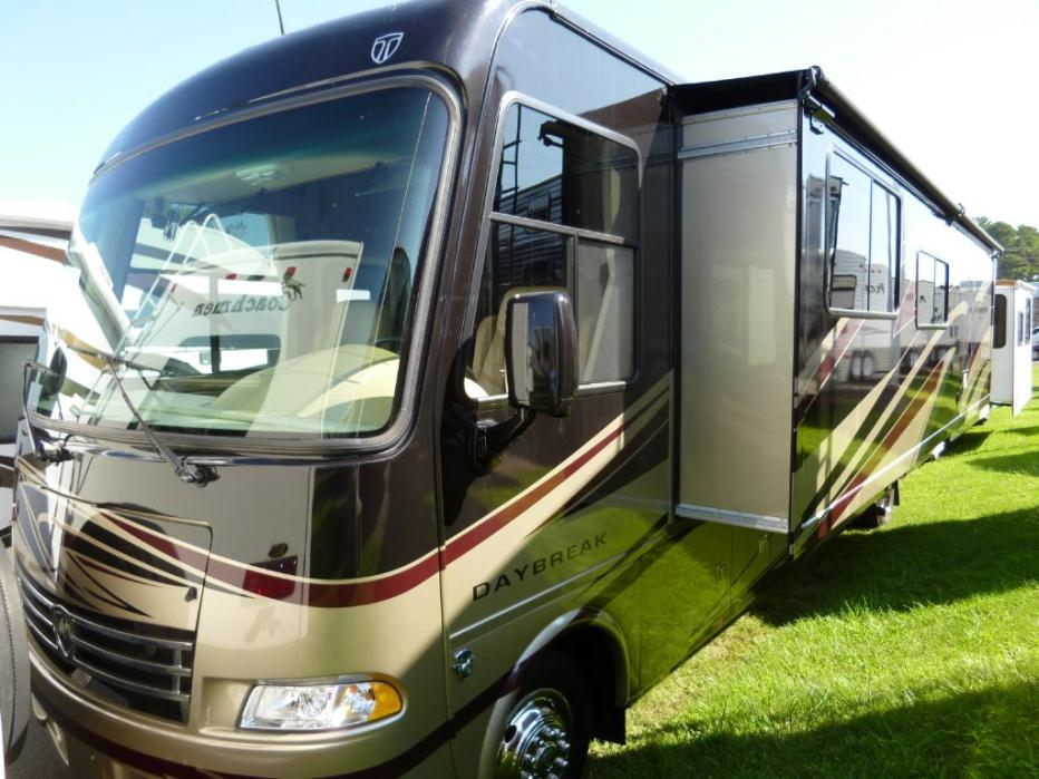 Thor motor coach daybreak 34xd rvs for sale in north carolina for Thor motor coach axis
