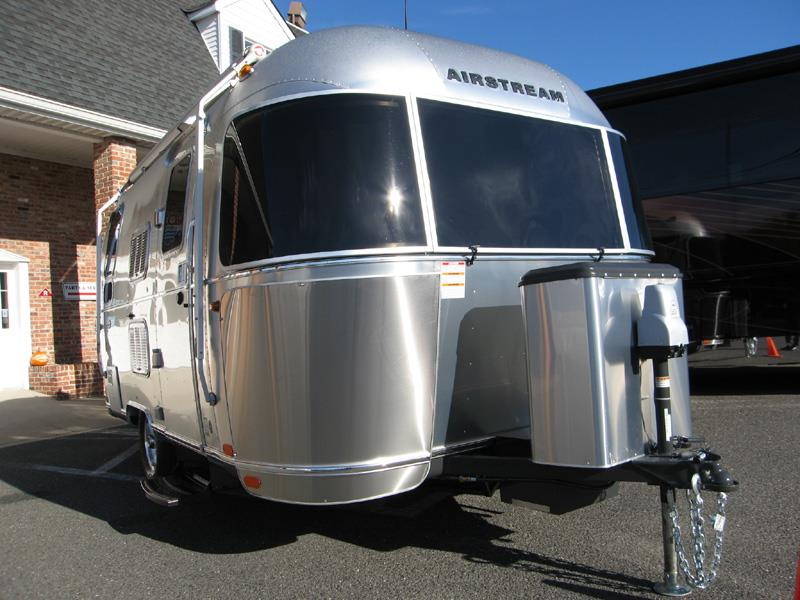 2016 Airstream International Serenity Series 19C Bambi