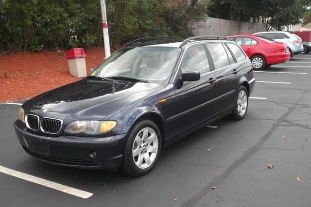 2003 BMW 325 xiT Cranston, RI
