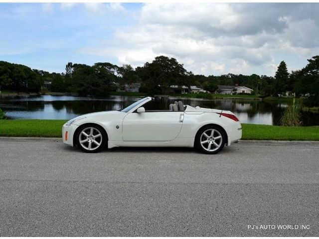 Nissan : 350Z 2dr Roadster 350 z roadster clean 3.5 l v 6 automatic one owner 86 971 miles leather interior