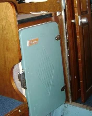 Dorsett Coleman ice box WANTED for my 1964 Dorsett San Juan cabin boat