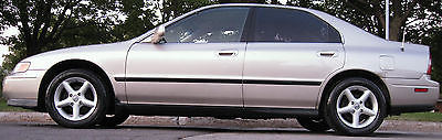 Honda : Accord Sedan 1995 honda accord ex with super clean interior low miles one owner