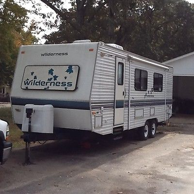 1997 Fleetwood, Wilderness Camper Excellent Condition Clean Title