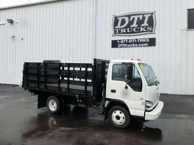 gmc w4500 npr cars for sale rh smartmotorguide com 2000 GMC W4500 2004 GMC W4500 10 FT