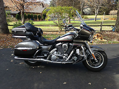 Kawasaki : Vulcan Full Dress Voyager loaded with aftermarket features: Corbin Saddle, Pipes,etc