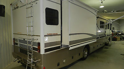 2001 Fleetwood Bounder 37K Class A Diesel Motor Home Premium Unit With Gen Set, 1
