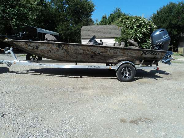 2015  Xpress  XP200 Catfish