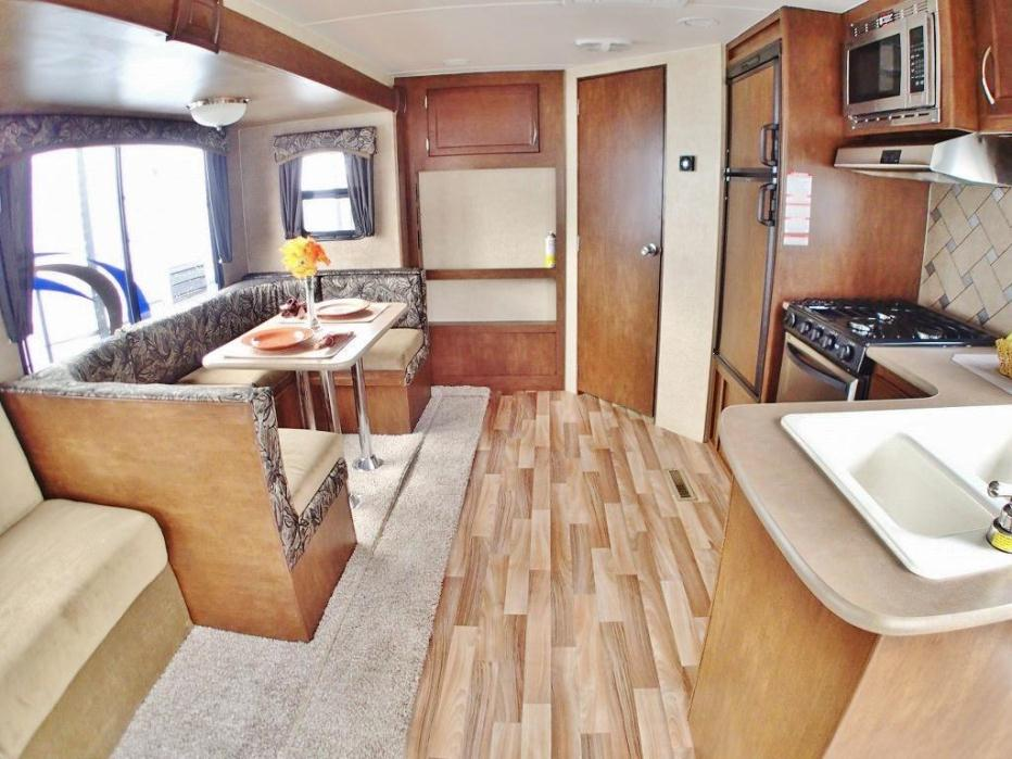 2013 Pacific Coachworks Econ E16RB