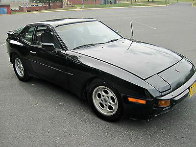 Porsche : 944 Base Coupe 2-Door 1984 porsche 944 na