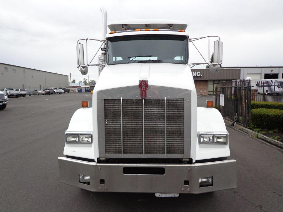 2005 Kenworth T800b