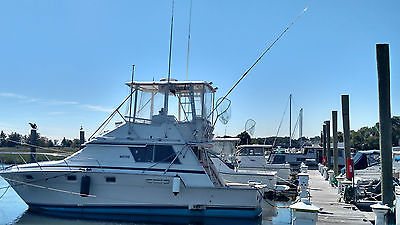 1985 Luhrs 342 Sport Fish  with twin Diesel engines