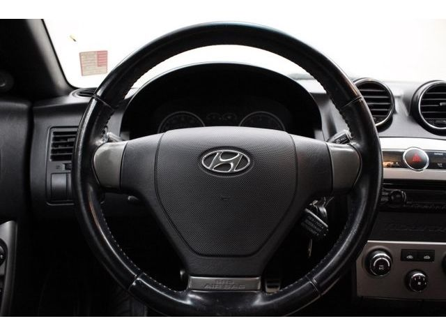 Hyundai : Tiburon SE SE Manual Coupe 2.7L CD 6 Speakers AM/FM radio Integrated Glass Antenna Spoiler