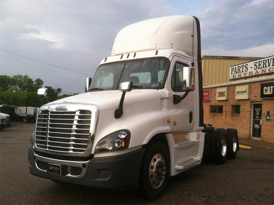2016 Freightliner Ca12564dc - Cascadia