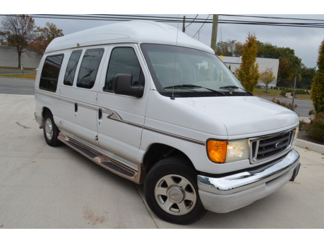 Ford : E-Series Van E-150 Recrea 2004 ford conversion van leather tv rear differential noise 1 owner records