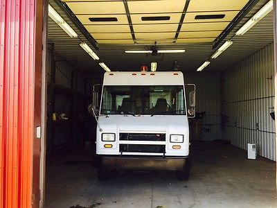 Other Makes : MT45 Chassis M 2003 freightliner walk in step van 5.9 cummins engine only 5 900 miles