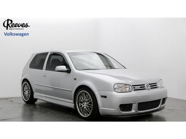 Volkswagen : R32 2dr HB 6-spd 2 dr hb 6 spd manual 3.2 l sunroof awd 4 wheel abs 4 wheel disc brakes 6 speed m t