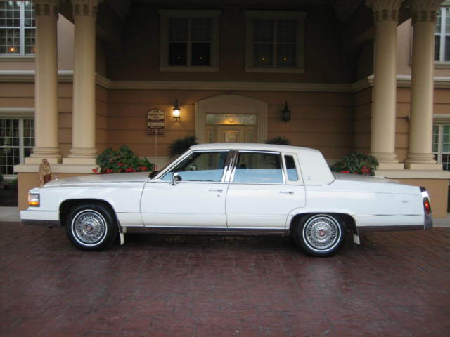 Cadillac : Fleetwood Brougham Brougham / 29k orig miles / 1 family owned / 5.7 / 100 pics / IMMACULATE!