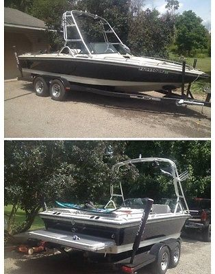 Powerboats & Motorboats : Ski / Wakeboarding Boats