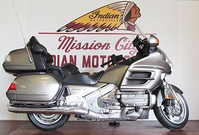 Honda : Gold Wing 2006 honda gold wing audio comfort navi abs