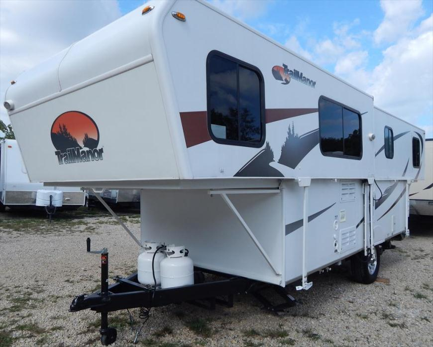 2013 Trailmanor 2720 Non Slide Out