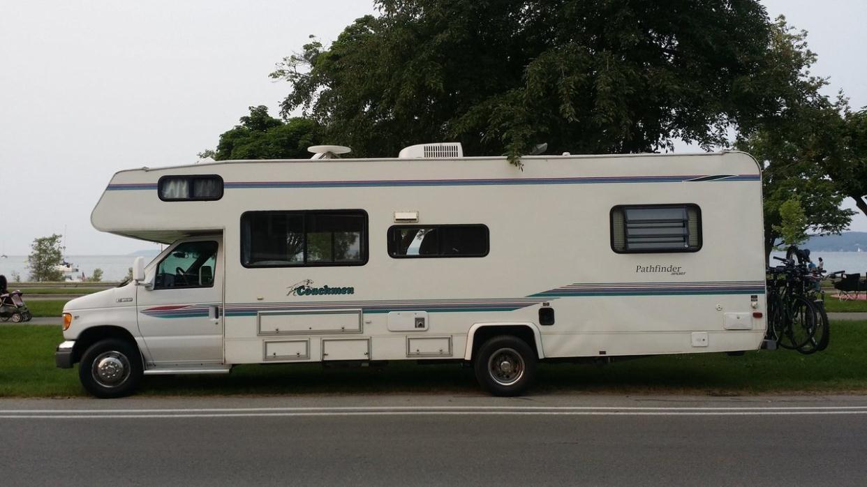 2002 Coachmen SHASTA 220RK
