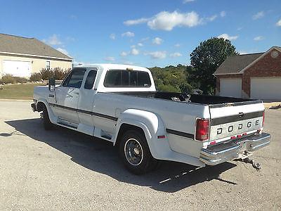Dodge : Ram 3500 LE 1993 dodge d 350 extended cab 12 v cummins, 1