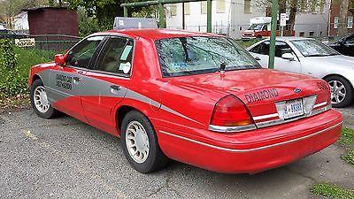 Ford : Crown Victoria LX 2002 ford crown victoria lx sedan 4 door 4.6 l