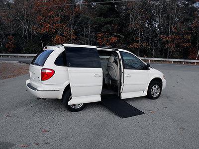 Dodge : Grand Caravan SXT Mini Passenger Van 4-Door 2005 caravan sxt handicap wheelchair van power door ramp and kneel loaded