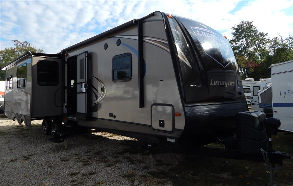 2014 Prime Time LaCrosse Luxury Lite 324 RST Rear Living