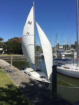 25' macgregor swing keel  sailboat ready to sail