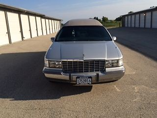 Cadillac : Fleetwood Miller Meteor Hearse 1993 cadillac fleetwood m m hearse funeral coach miller meteor 5.7 l engine