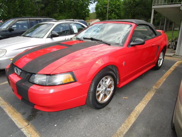 2001 Ford Mustang Base Louisville, TN