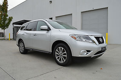 Nissan : Pathfinder 2014 nissan pathfinder s 4 x 4 with 32 k miles clean title ready for the slopes