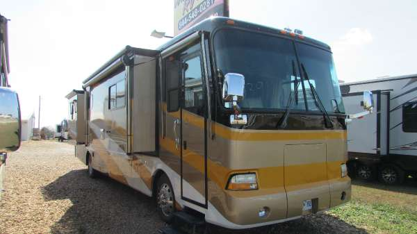 2004 Beaver Motor Coaches Santiam 40PBD