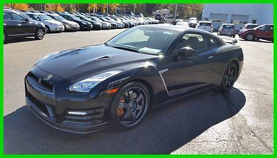 Nissan : GT-R 2dr Cpe Black Edition Navigation Carbon Fiber Rear PRE-OWNED 2015 NISSAN GTR AWD BLACK EDITION, ONLY 8401 MILES