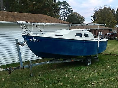 2000 International Marine West Wight Potter 19 foot Sailboat